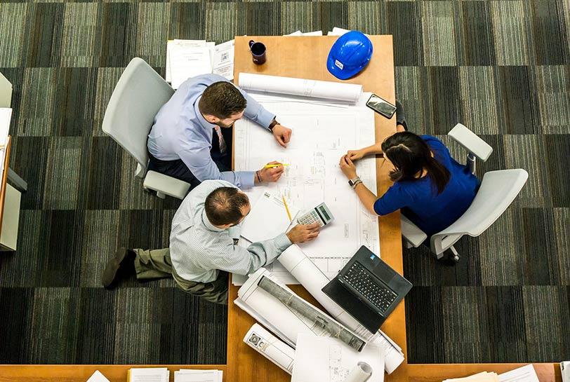 Evitar el estrés posvacional: el compromiso en la organización (Reunión)
